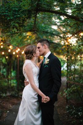Seth & Joy - kissing